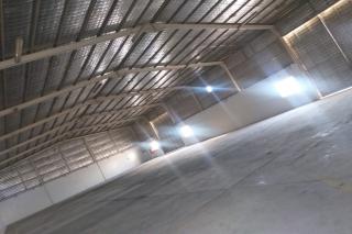 800 meter store in industrial area For rent