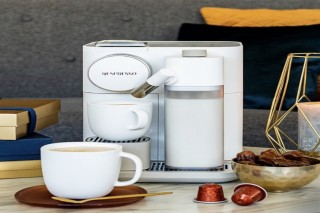Nespresso coffee machine FOR SALE