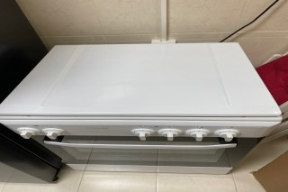 very clean Oven FOR SALE