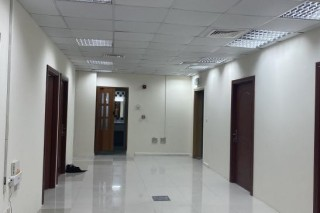OFFICE WITH SPONSOR AND TRADING LICENCE APPROVAL