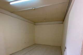8 Labor Rooms Available industrial Area Only 1200 QAR Only